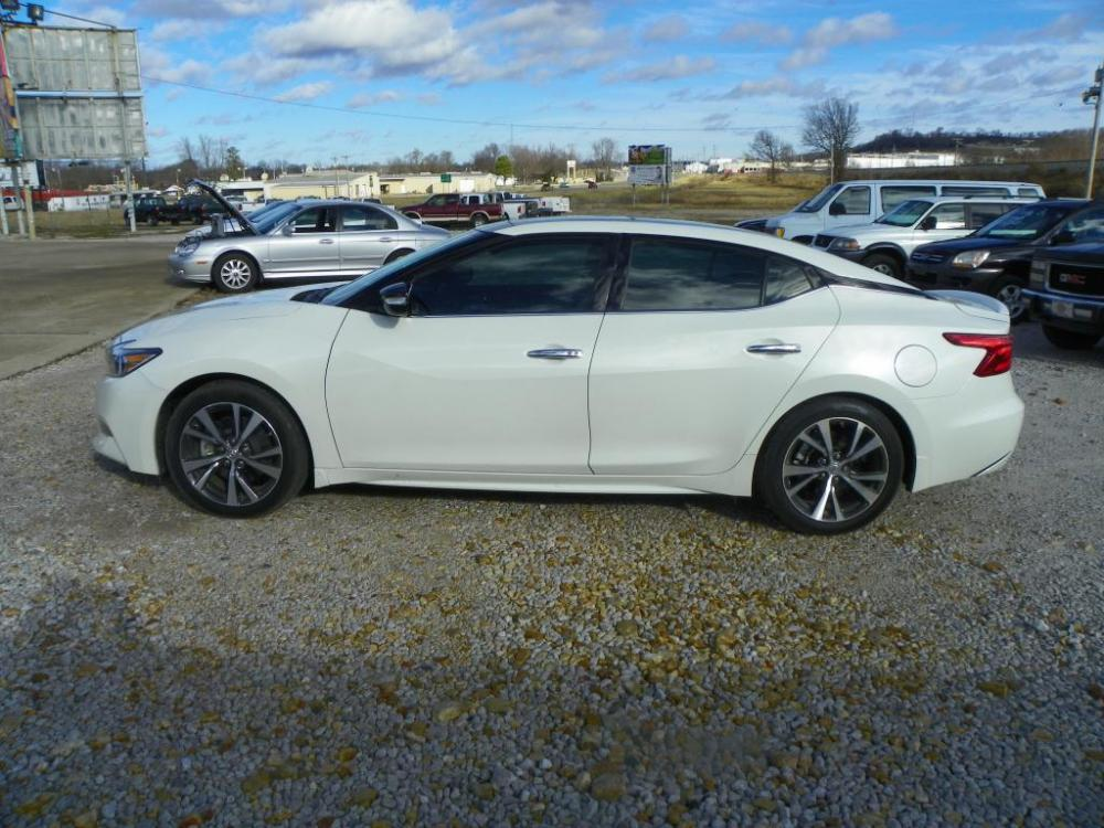 2016 White Nissan Maxima 3.5 S (1N4AA6AP5GC) with an 3.5L V6 DOHC 24V engine, Continuously Variable Transmission transmission, located at 82681 US-59, Stilwell, 74960, (918) 696-2597, 35.814781, -94.625877 - Photo #0