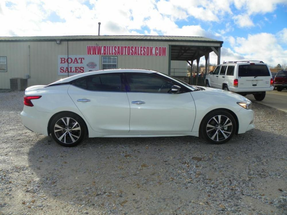 2016 White Nissan Maxima 3.5 S (1N4AA6AP5GC) with an 3.5L V6 DOHC 24V engine, Continuously Variable Transmission transmission, located at 82681 US-59, Stilwell, 74960, (918) 696-2597, 35.814781, -94.625877 - Photo #2