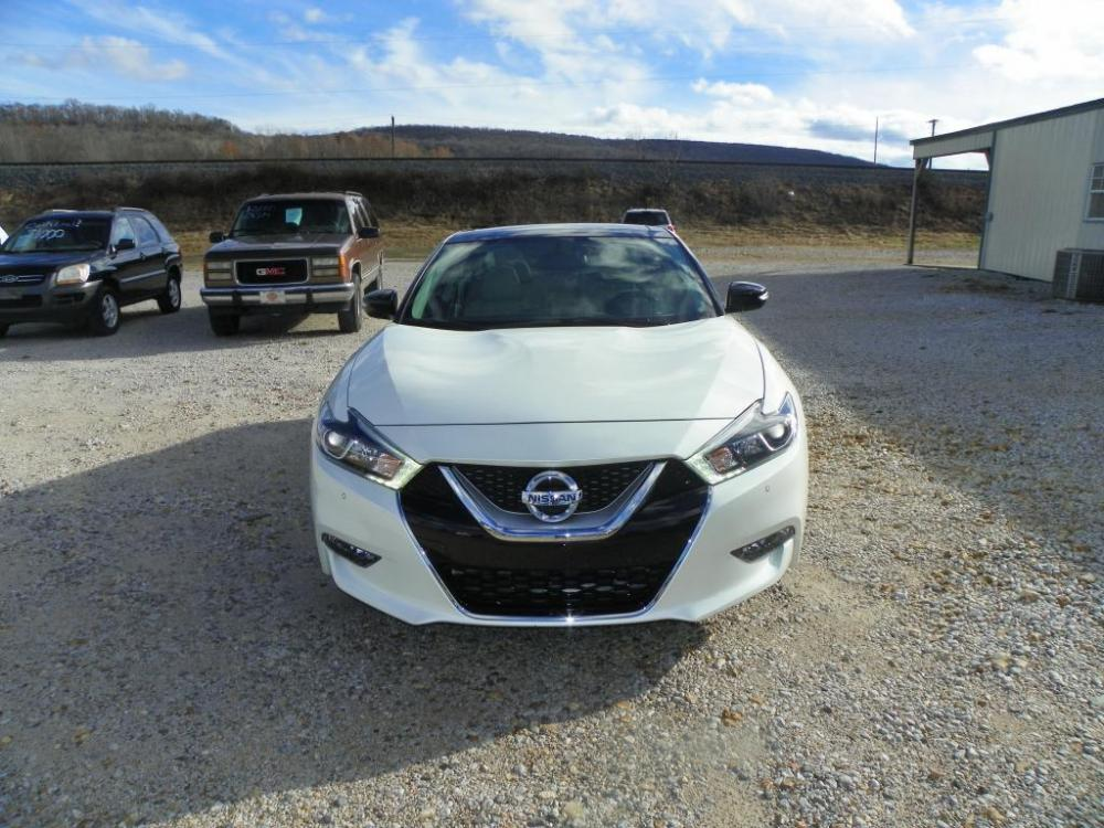 2016 White Nissan Maxima 3.5 S (1N4AA6AP5GC) with an 3.5L V6 DOHC 24V engine, Continuously Variable Transmission transmission, located at 82681 US-59, Stilwell, 74960, (918) 696-2597, 35.814781, -94.625877 - Photo #3